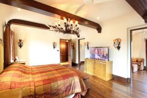 Pestorich-master-bedroom